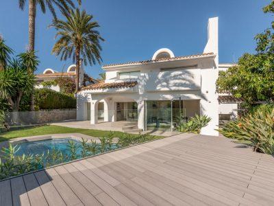 Contemporary Style Villa in Golden Mile, Marbella