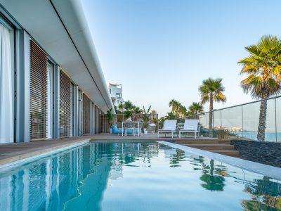 Modern  Beachfront Villa in New Golden Mile, Estepona