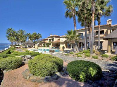 Stunning beachfront mansion in prime location 01