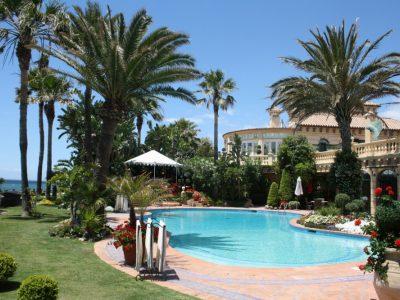 Beachfront villas for rent