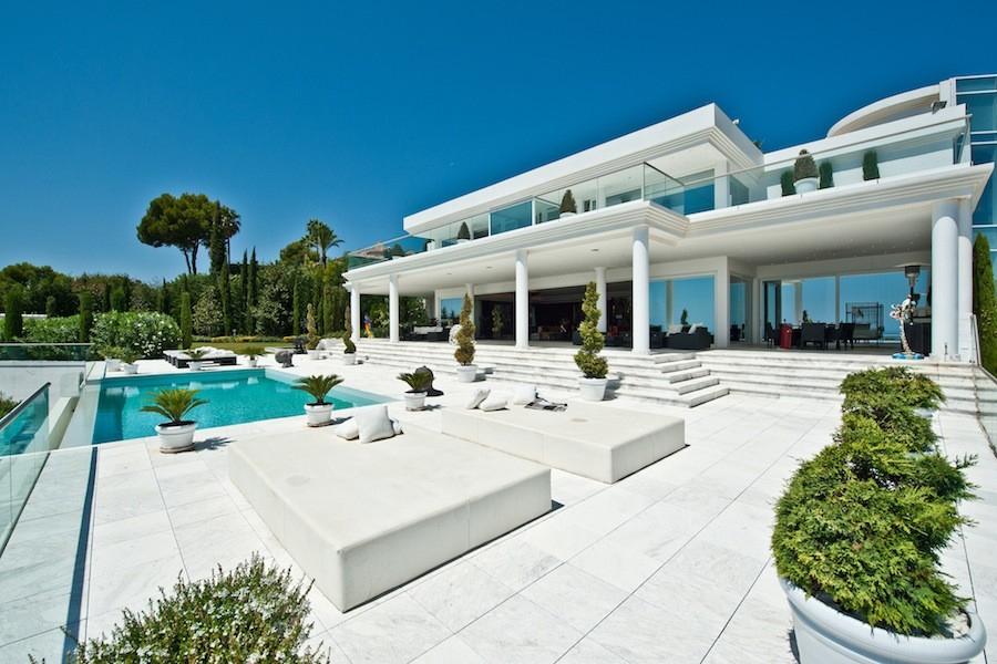 Villa Blanca Vs Ur