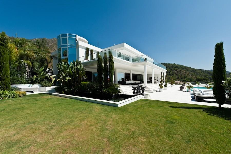 l 39 adresse de la villa des marseillais marbella est un oeil sur les people. Black Bedroom Furniture Sets. Home Design Ideas